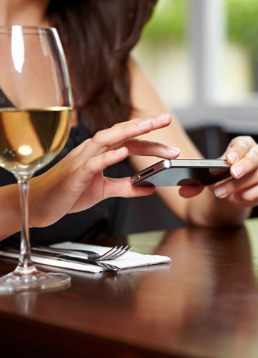 A Guide to Monitoring Your Restaurant's Online Reviews